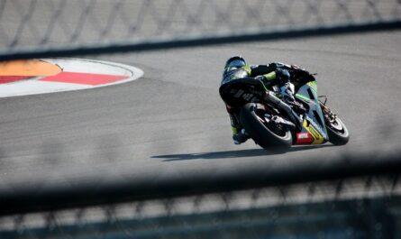 Jezdec jede mistrovství světa silničních motocyklů.